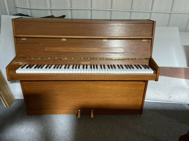 Compact Evestaff Piano