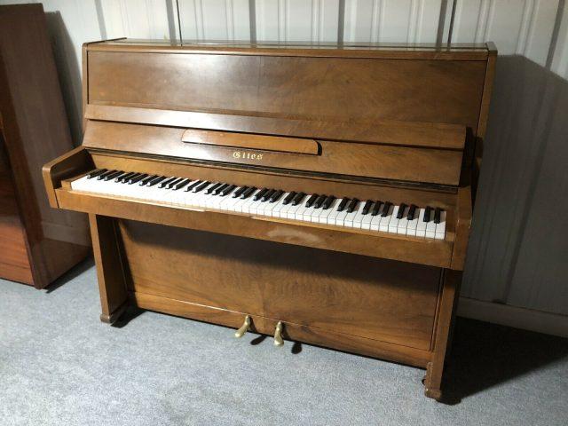 Giles Piano