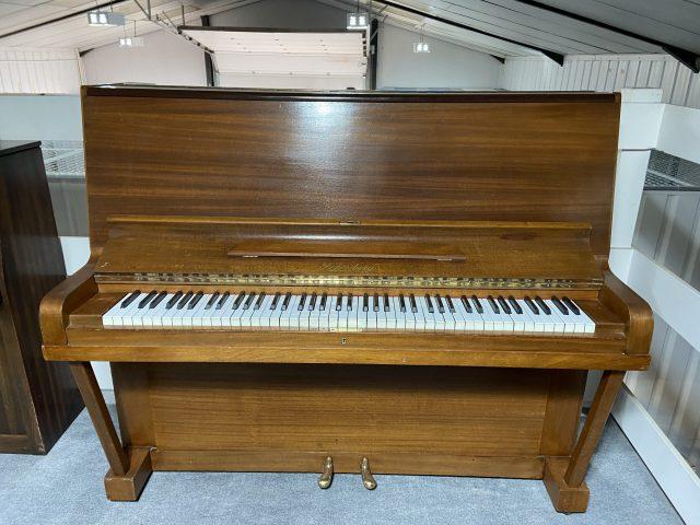 Schonberg piano